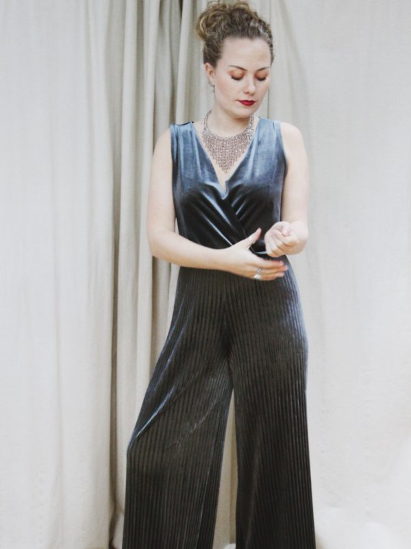 Velvet, jumpsuit, all in one, party, christmas, outfit, fashion, style
