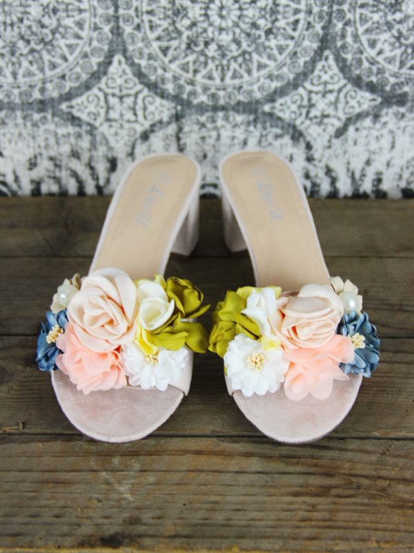Floral_Sandals_With_Small_Heel_In_Beige