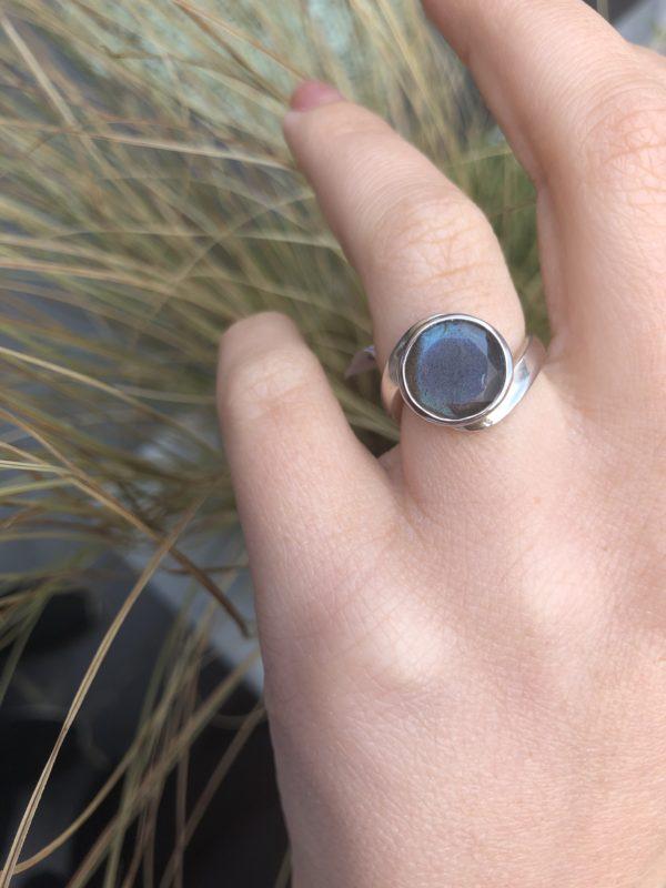 Labradorite-Silver-Ring