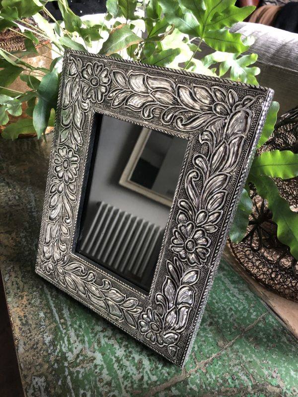 Morrocan-Metal-Frame-Silver
