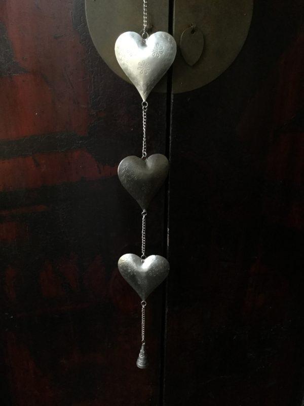 Triple-Metal-Heart-Hanger