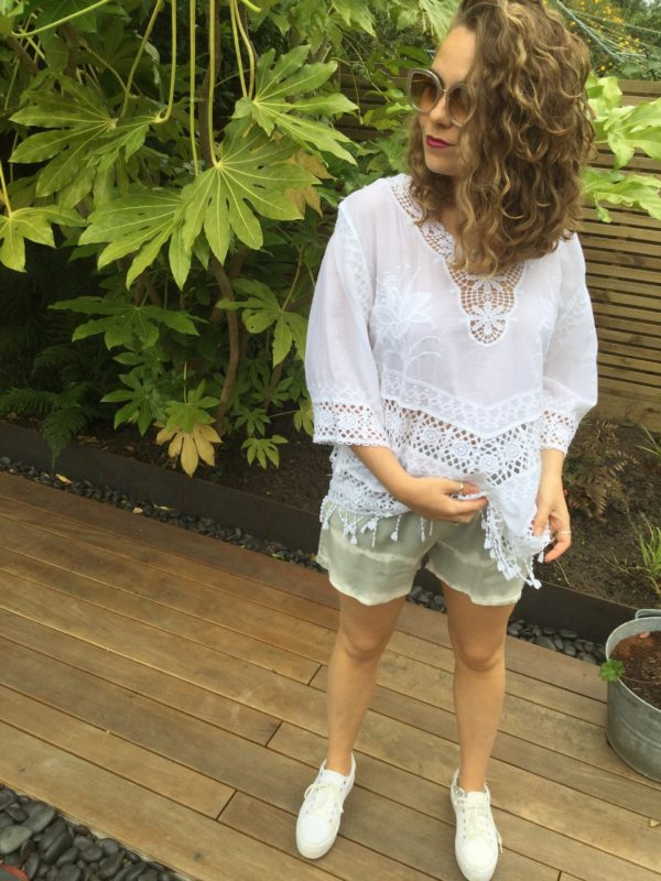 Bilbao-Shorts-Grey-Beachcomber-Top-White